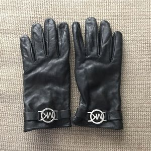 Michael Kors Leather gloves!